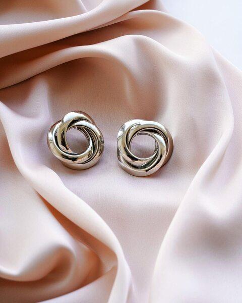 Cерьги «Бесконечность» серебряного цвета SG1003-1
