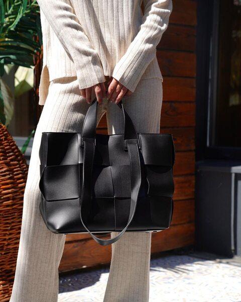 Об'ємна сумка з плетінням чорна LM4145-1