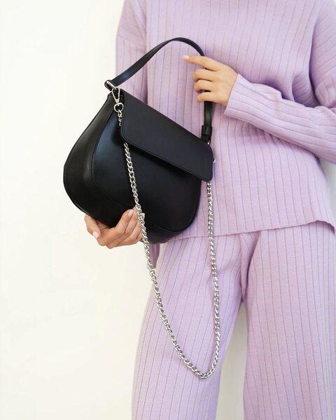 Трендова сумка на ланцюжку чорного кольору LM4350-1